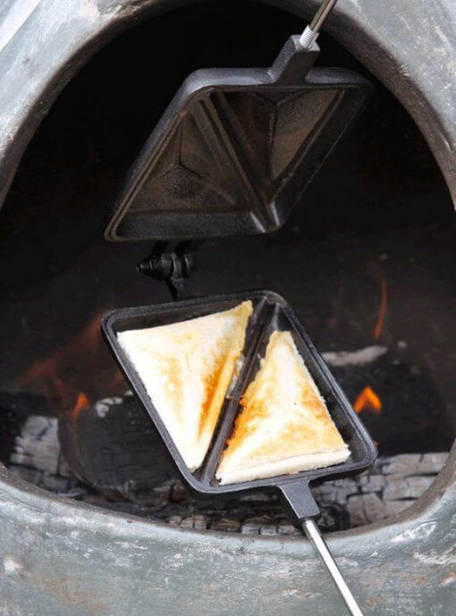 cast-iron toastie maker